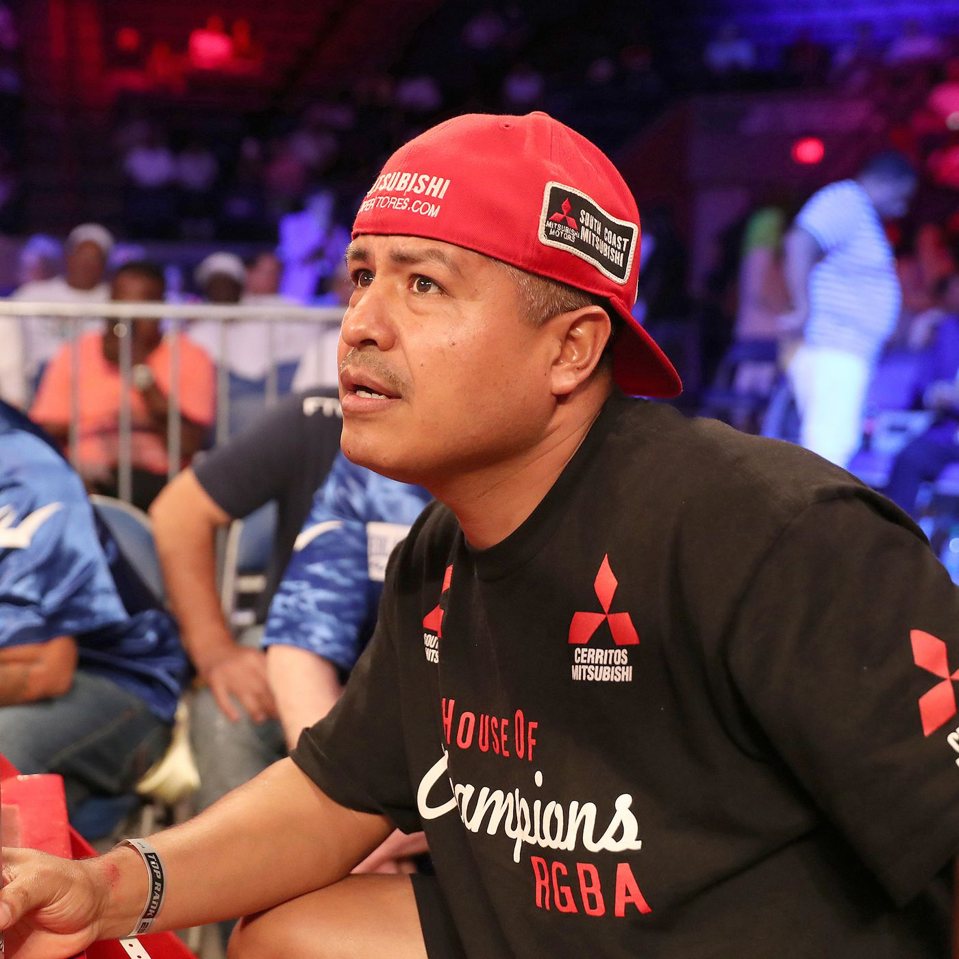 Trainer Robert Garcia expects purses to diminish when boxing returns - Bad  Left Hook