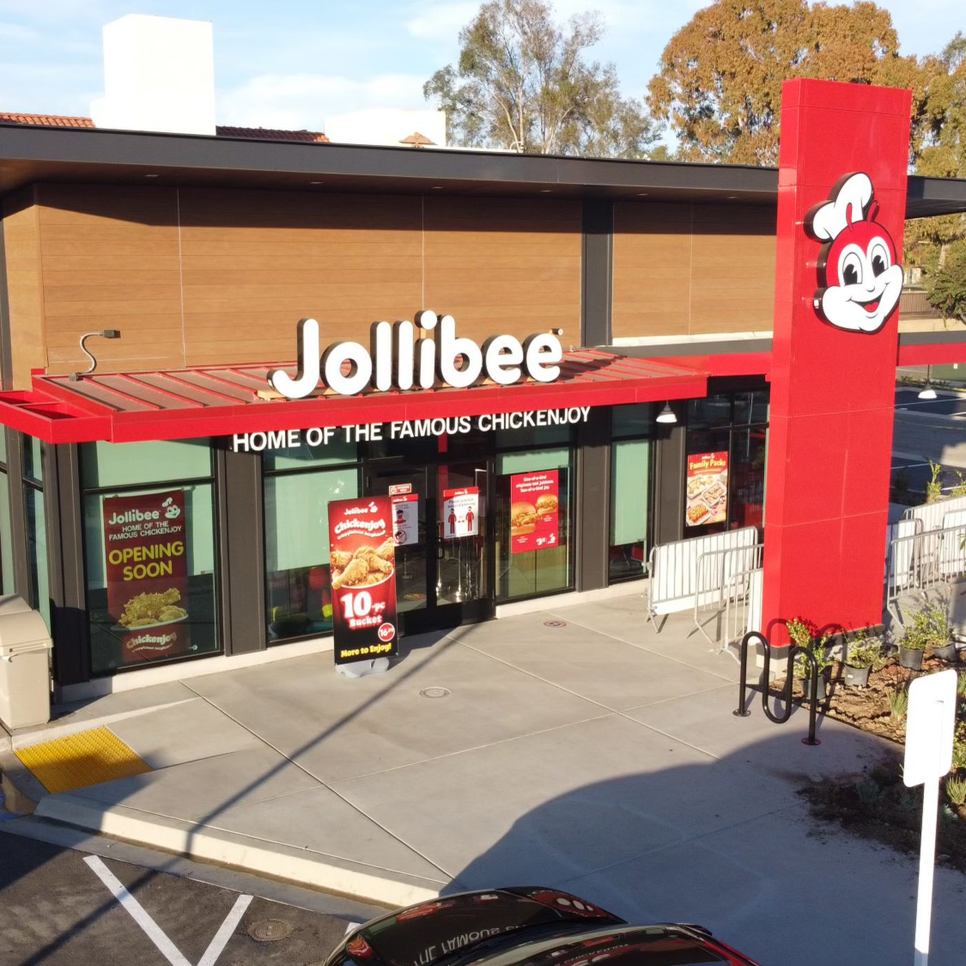 Filipino Chain Jollibee Arrives Back in Mira Mesa Today   Eater