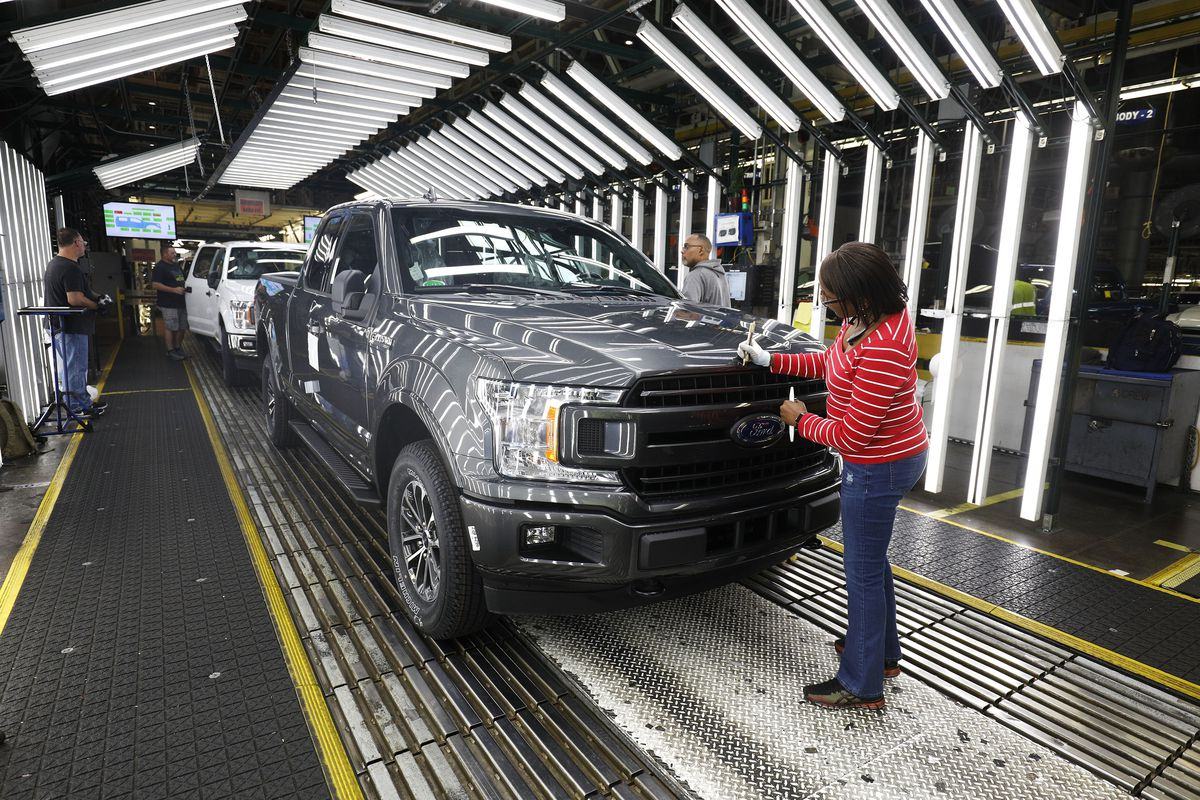 Why Are Trucks So Expensive >> Fuel Economy Trump Says His Rules Make Cars Safer His Epa