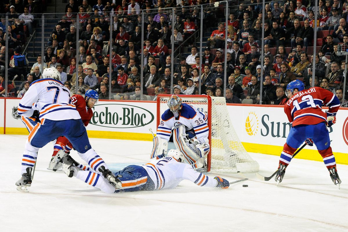 Ladi Smid goes into full planking mode against the Habs...
