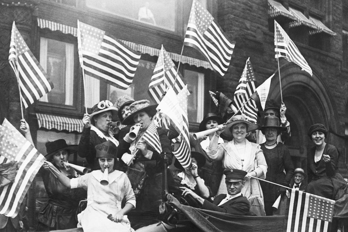Suffragettes hold a jubilee celebrating their victory on August 31, 1920.