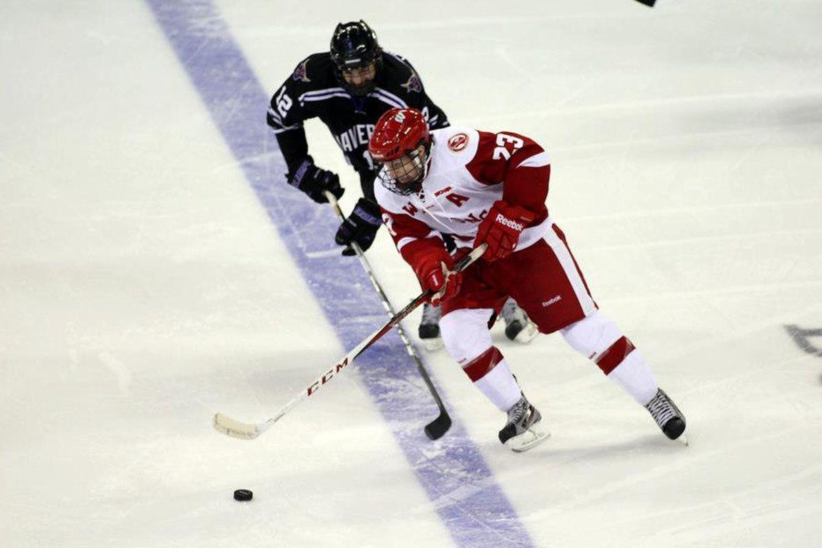 Wisconsin is hoping Derek Lee can play this weekend vs North Dakota.