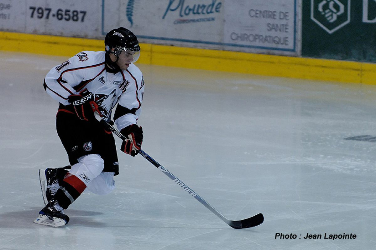 """by <a href=""""http://www.huskies.qc.ca/galerie_photos.asp"""" target=""""new"""">Jean Lapointe</a> - Philippe Cornet in action for the Rouyn-Noranda Huskies."""