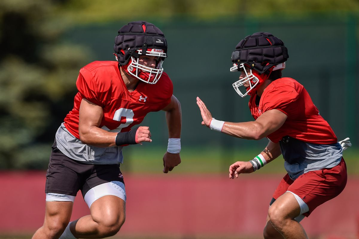 Hinsdale Central's Sean Allison (3) runs drills at football practice on August 13, 2021.