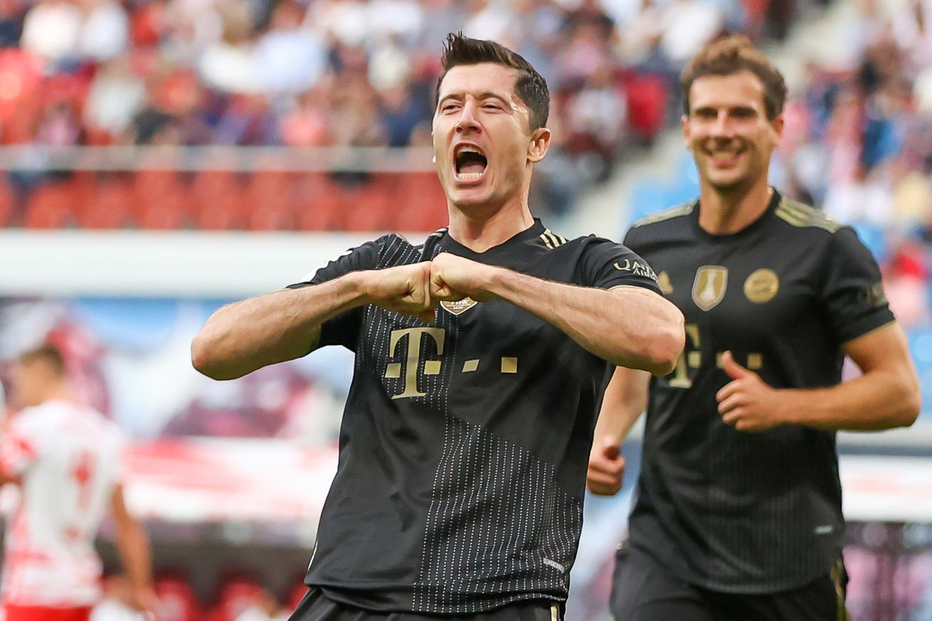 Injury Report: Bayern Munich Robert Lewandowski, Kingsley Coman, and Marcel Sabitzer train with team; Serge Gnabry, Corentin Tolisso, and Omar Richards do not
