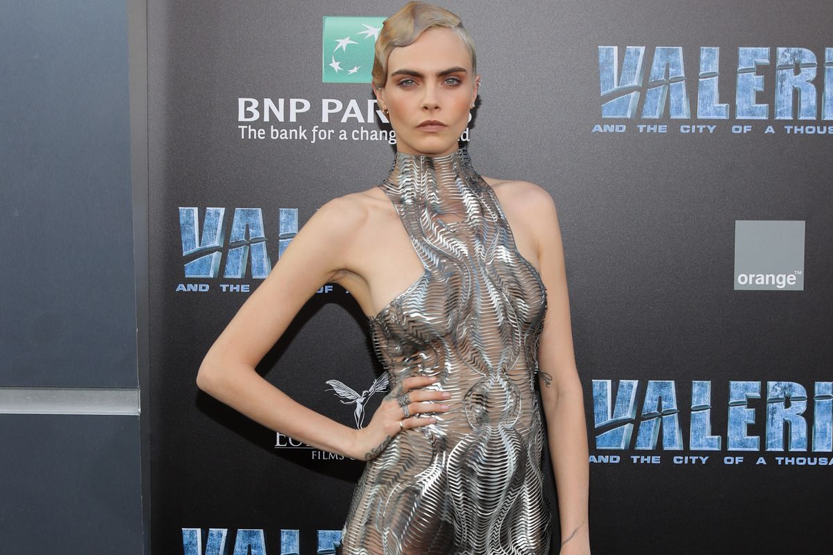 Cara Delevingne attends the premiere of EuropaCorp and STX Entertainment's 'Valerian and The City of a Thousand Planets' at TCL Chinese Theatre on July 17, 2017 in Hollywood, California.