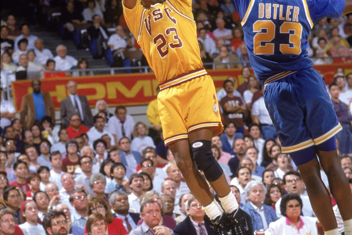 1992: Harold Miner of the USC Trojans makes a jump shot during a 1992 season game. (Photo by: Bernstein Associates/Getty Images)