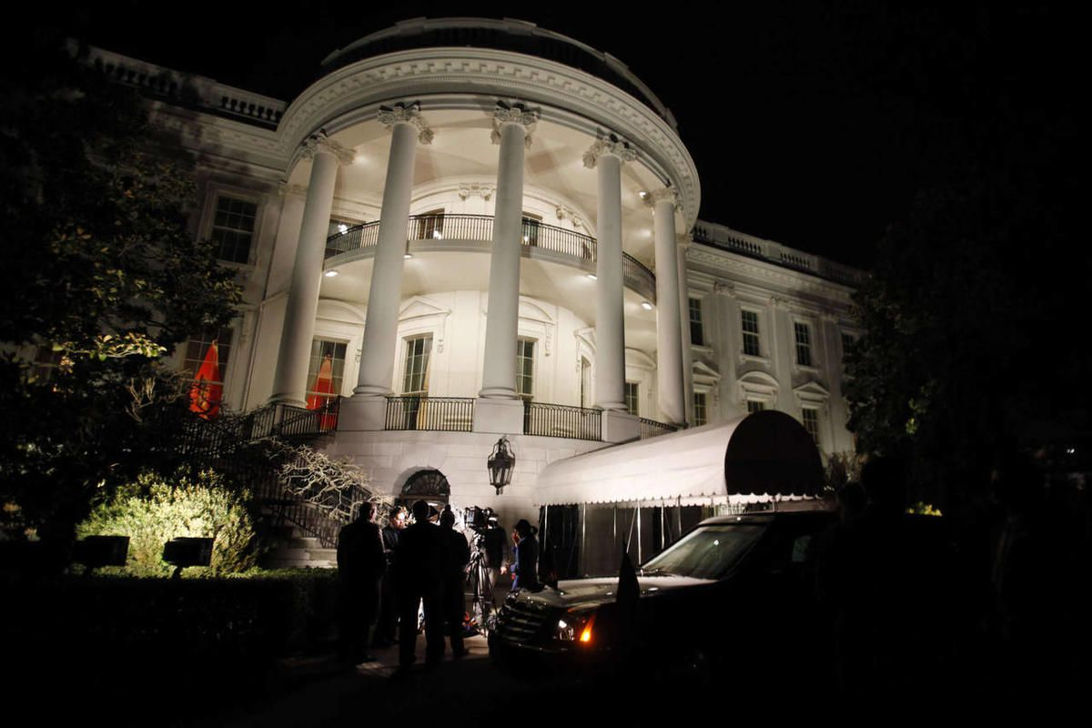 The motorcade waits outside the White House to take President Barack Obama to the U.S. Capitol for the State of the Union address in Washington, on Tuesday, Jan. 24, 2012.