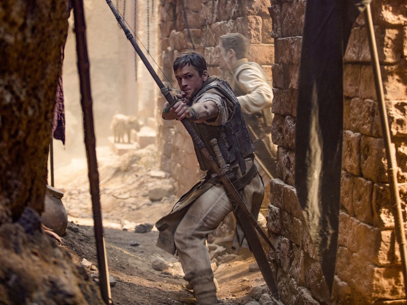 Robin Hood Trailer: Taron Egerton Is Like an Assassin's Creed