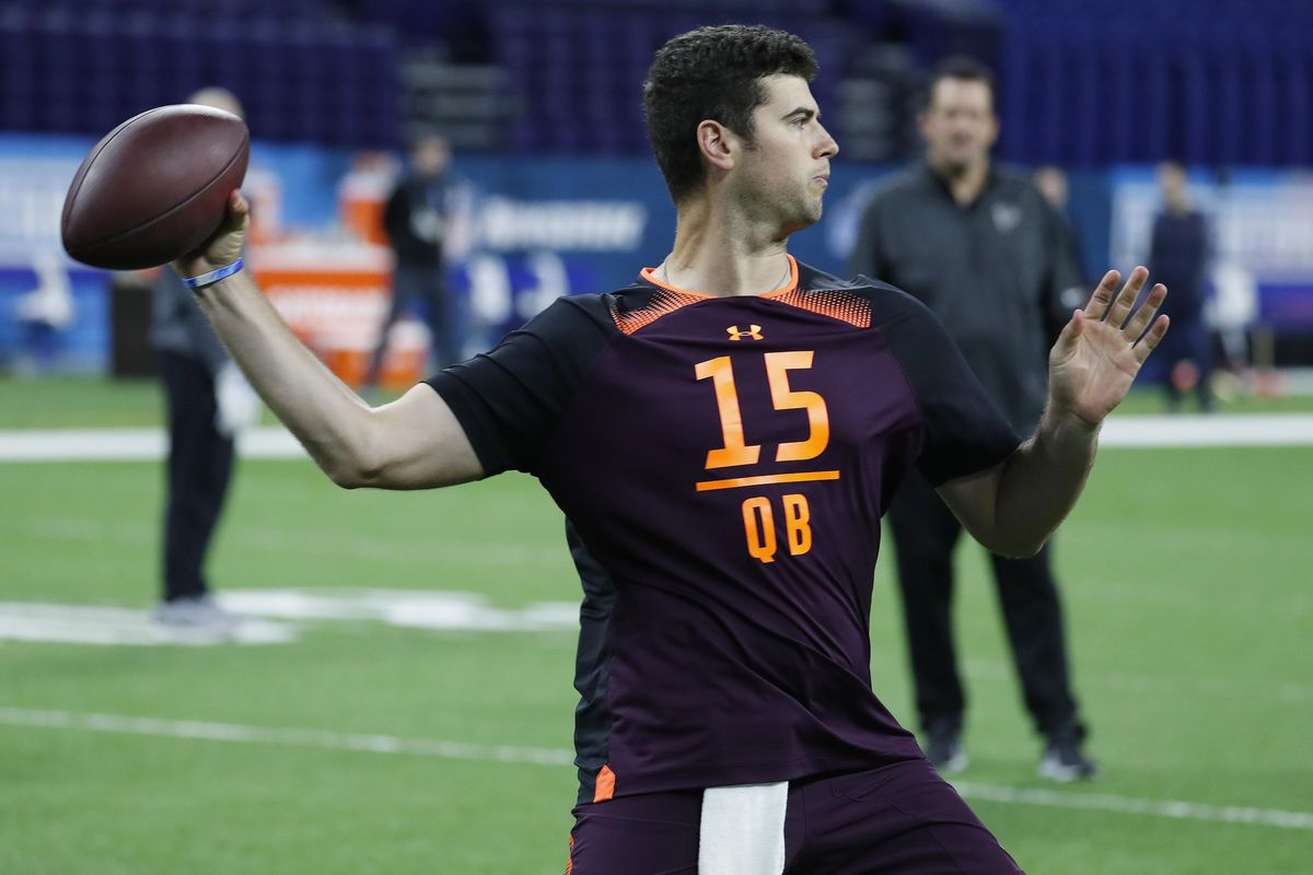 Nfl Draft Could Jarrett Stidham Fit In With The Patriots Pats Pulpit