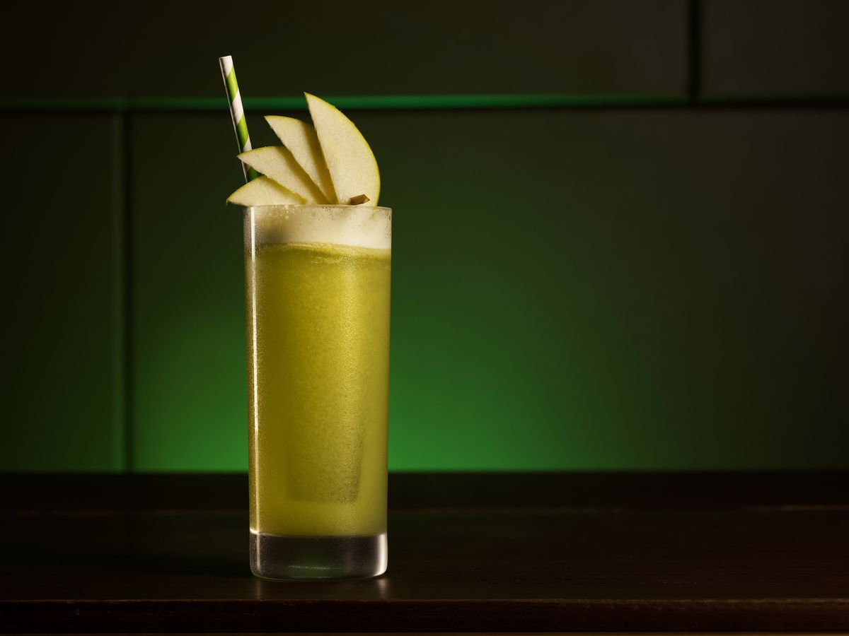 A green nonalcoholic cocktail