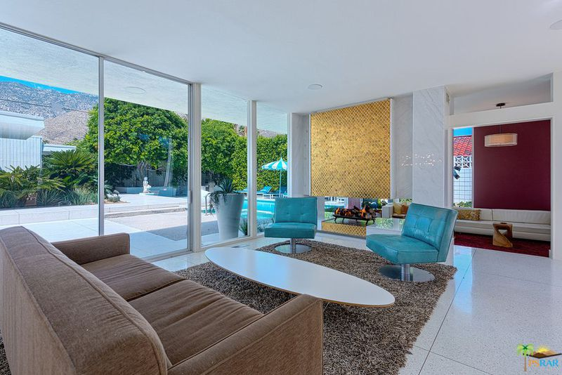 1960s Palm Springs pad is an indoor-outdoor dream for $1.9M - Curbed