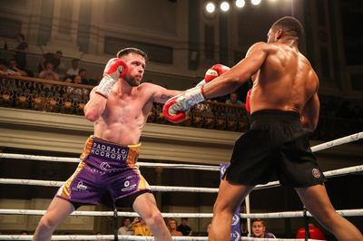 mccrorynwankwo - Burnett returns with stoppage win over Gomera, McCullough knocks out Geraghty