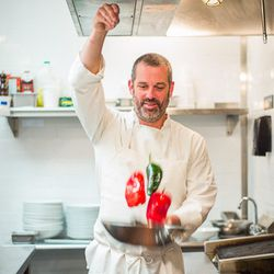 """<a href=""""http://ny.eater.com/archives/2014/08/polo_dobkin_speaks_seafood_with_a_spanish_accent.php"""">Polo Dobkin Cooks Seafood with a Spanish Accent</a>"""
