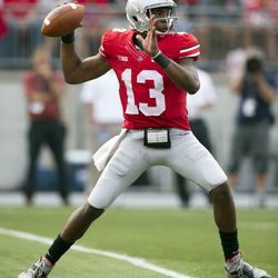Guiton throwing the ball.