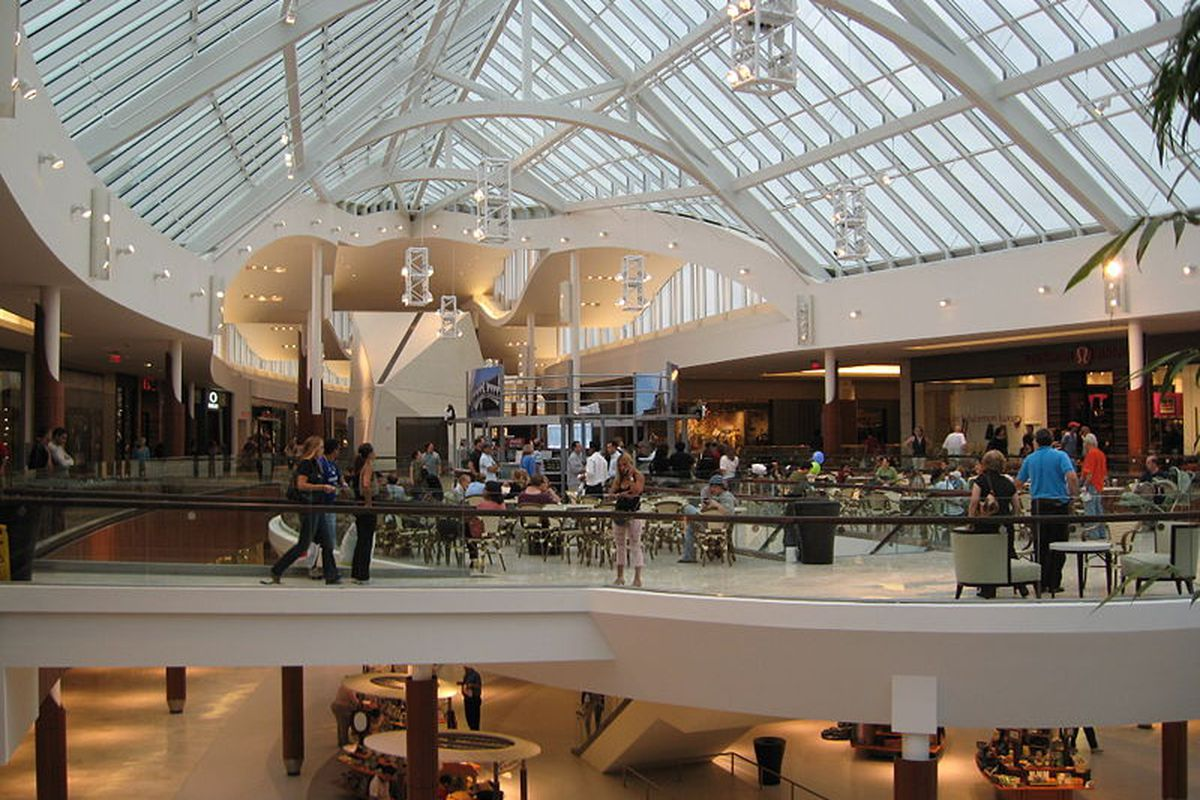 """Natick Mall via <a href=""""http://commons.wikimedia.org/wiki/File:Natick_Collection_expansion_1.jpg"""">Wikicommons</a>"""