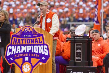 2dc6c9ef9 The 2018 Clemson Team That Won Their 15th Game in Levi s Stadium is the  Greatest Ever