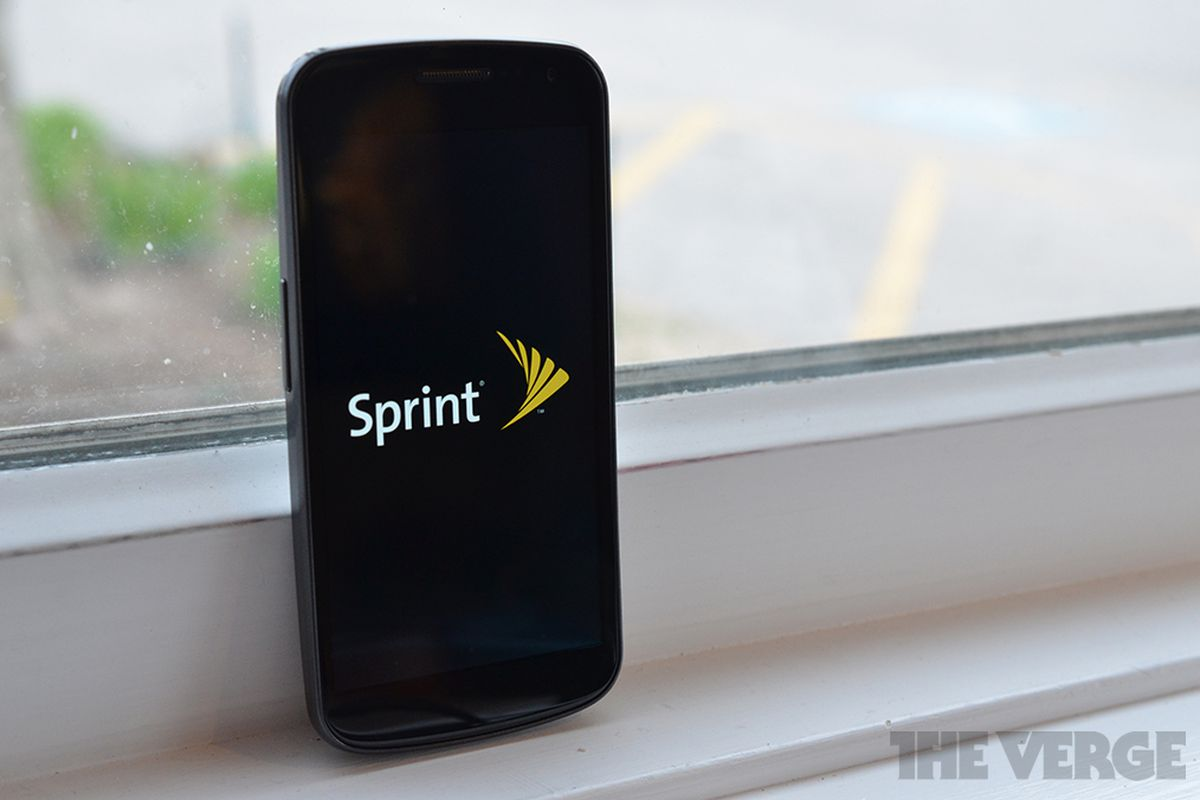 Sprint challenges T-Mobile with free international data and texting