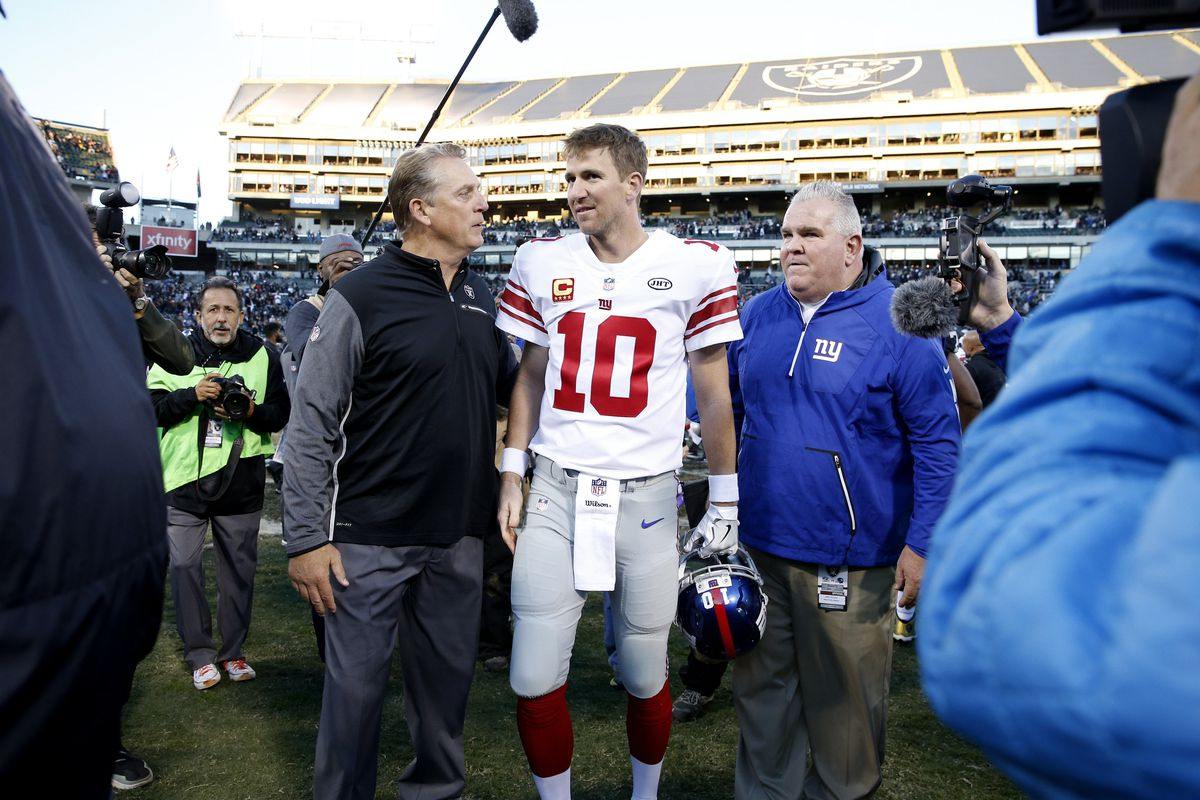 NFL: New York Giants at Oakland Raiders