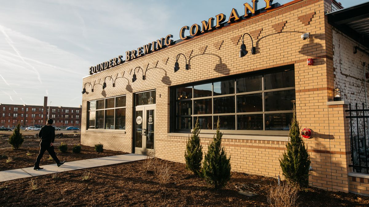 Look Around Founders Brewing Company S Detroit Taproom