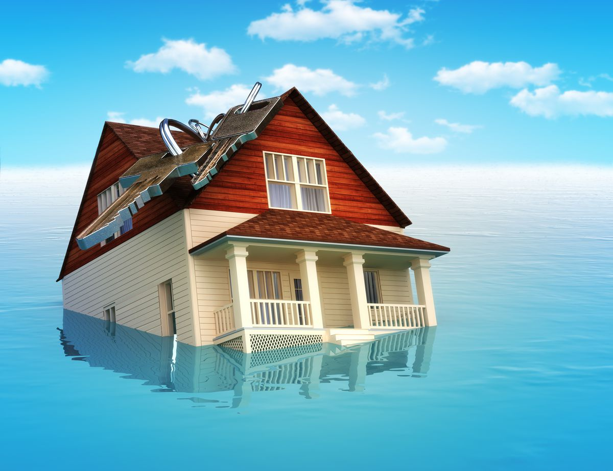 A house, in water