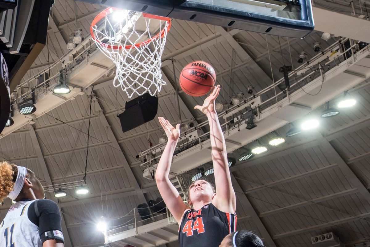 Ruth Hamblin and Oregon State hold off Colorado to win their sixth straight conference game