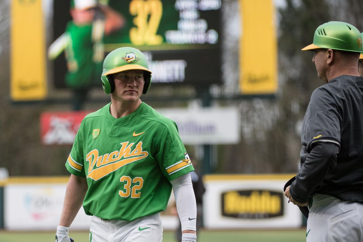 Ducks (22-16) swept by #3 Stanford Cardinal at home in disappointing conference series