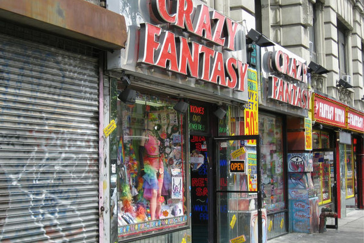 """Image via <a href=""""http://www.dnainfo.com/new-york/20130422/greenwich-village/papaya-dog-porn-shop-on-sixth-ave-be-replaced-by-trendy-retail#ixzz2RCNAzgQw"""">DNAInfo</a>"""
