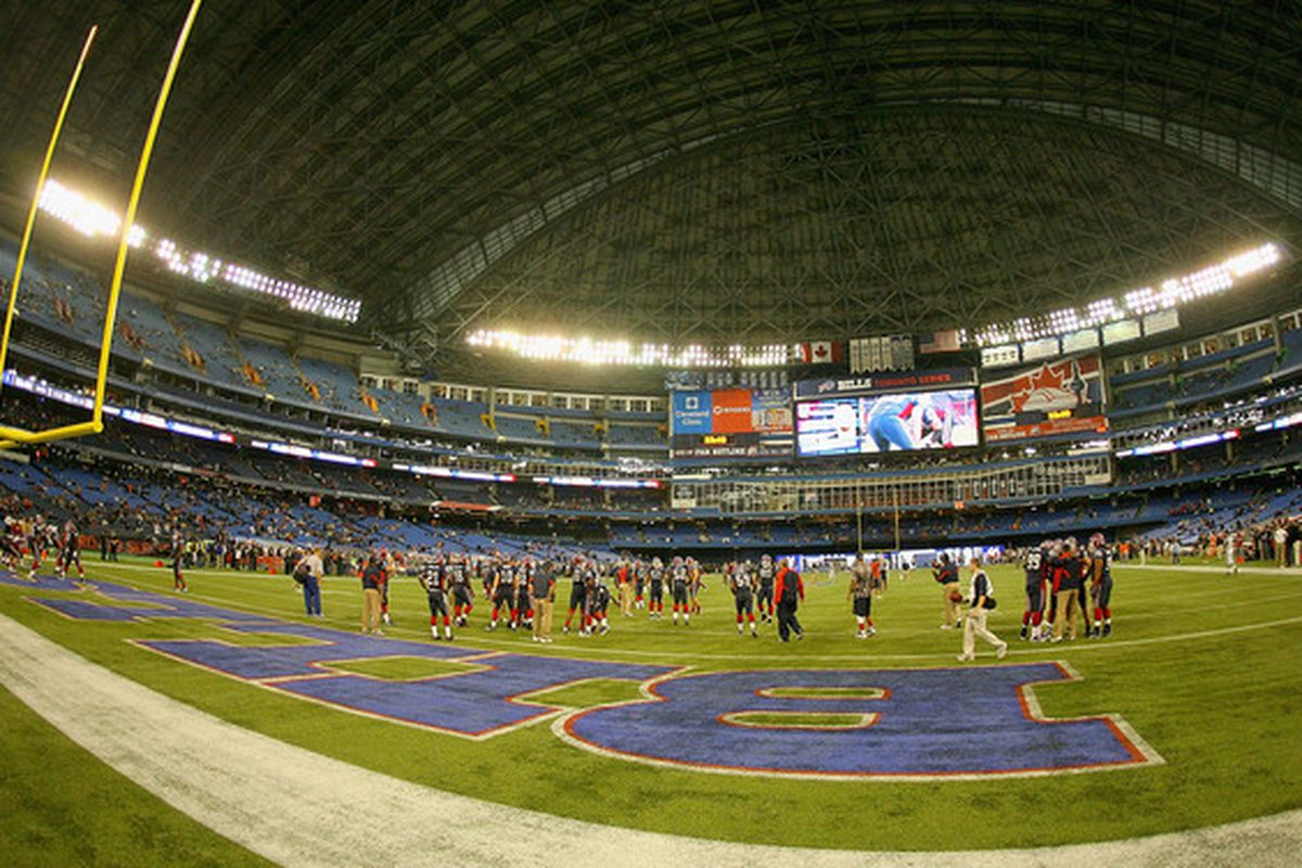 TORONTO ON - NOVEMBER 07: The Buffalo Bills and the Chicago Bears warm up prior to play at the  Rogers Centre on November 7 2010 in Toronto Canada.  (Photo by Rick Stewart/Getty Images)