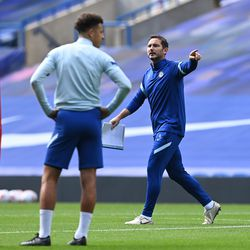 Ampadu looks on as Lampard shouts out instructions