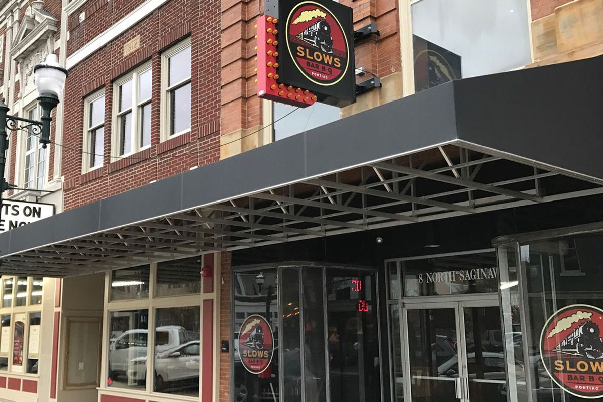 Slows Bar Bq In Pontiac Opened The Strand Theatre Building April
