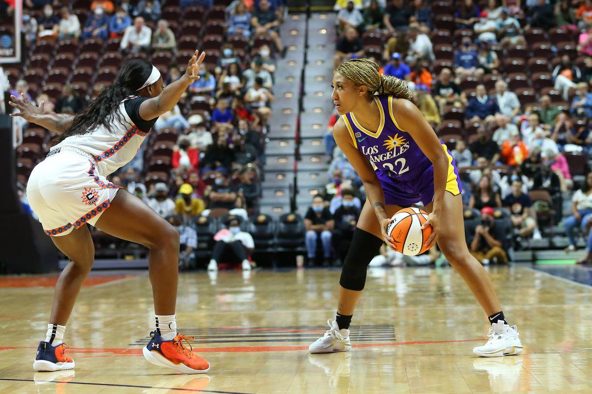 WNBA: AUG 28 Los Angeles Sparks at Connecticut Sun