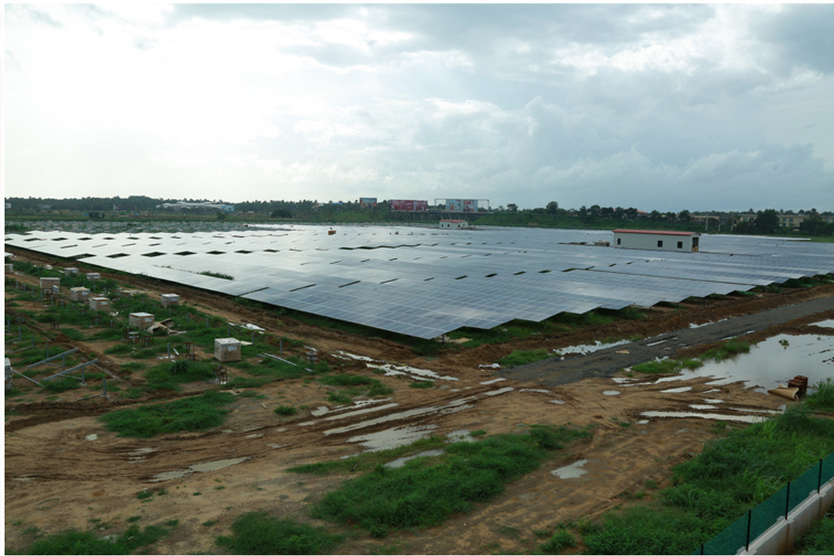 India Reveals World S First 100 Percent Solar Powered