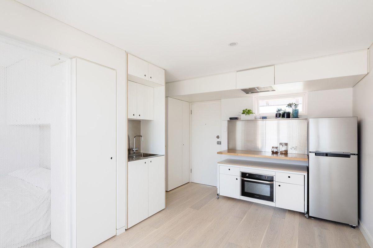 Efficient Tiny Apartment Follows Japanese Organization Method Curbed