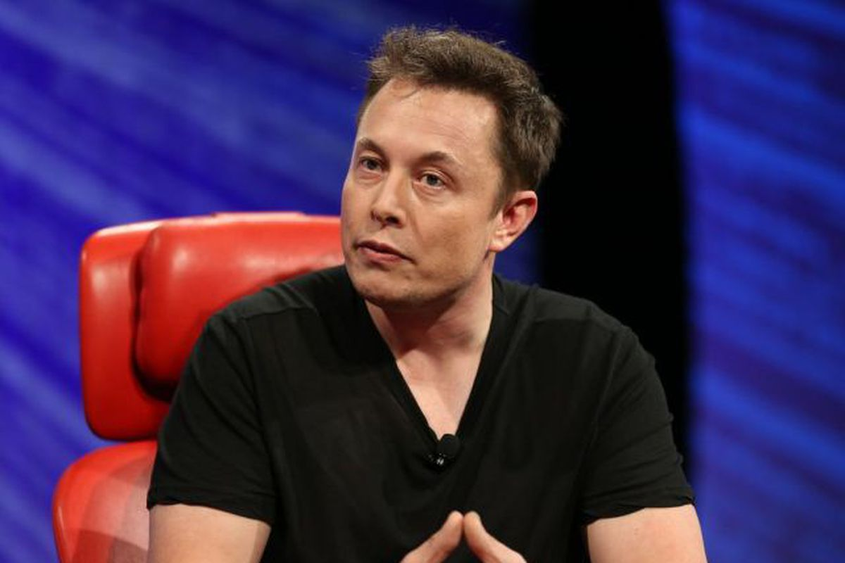 In a muted rebuke to Trump, Elon Musk says a Muslim ban is 'not the best way'