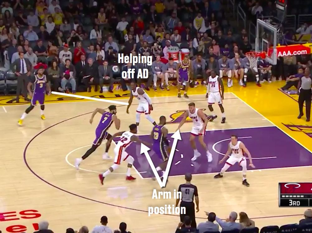 LeBron James is a genius passer, and it's solving every Lakers problem 3
