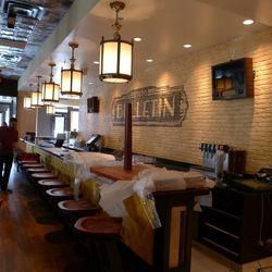 Ted's Bulletin on 14th offers counter seating.