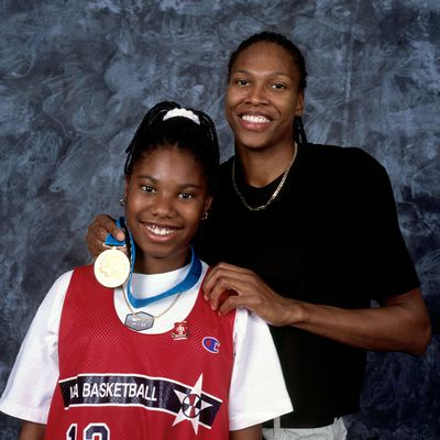 2000 Olympics: USA Basketball Women's National Team Portraits