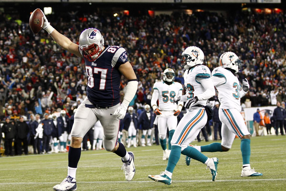 Rob Gronkowski Injury Patriots Te Will Have Back Surgery On