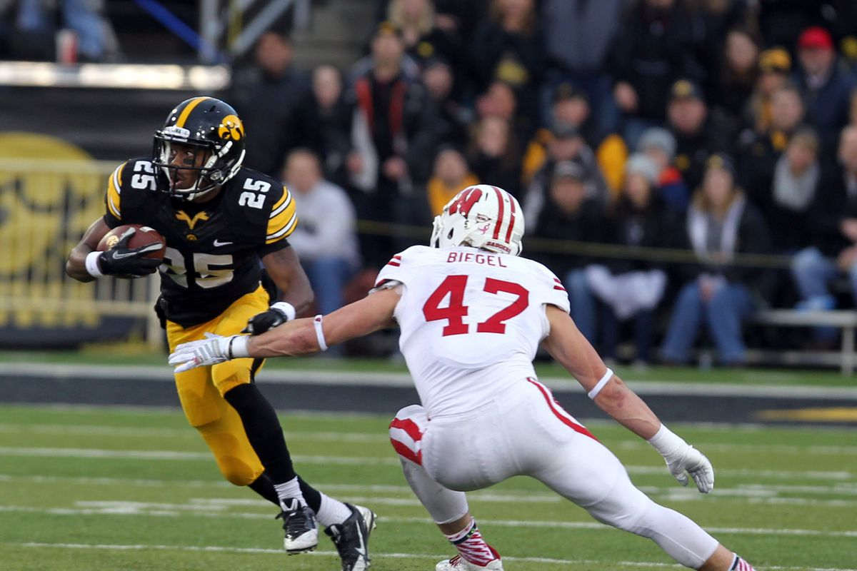 Akrum Wadley was not facing Wisconsin defenders on Saturday, but he looked good.