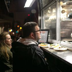 Josh Ozersky at the Crif Dogs cart