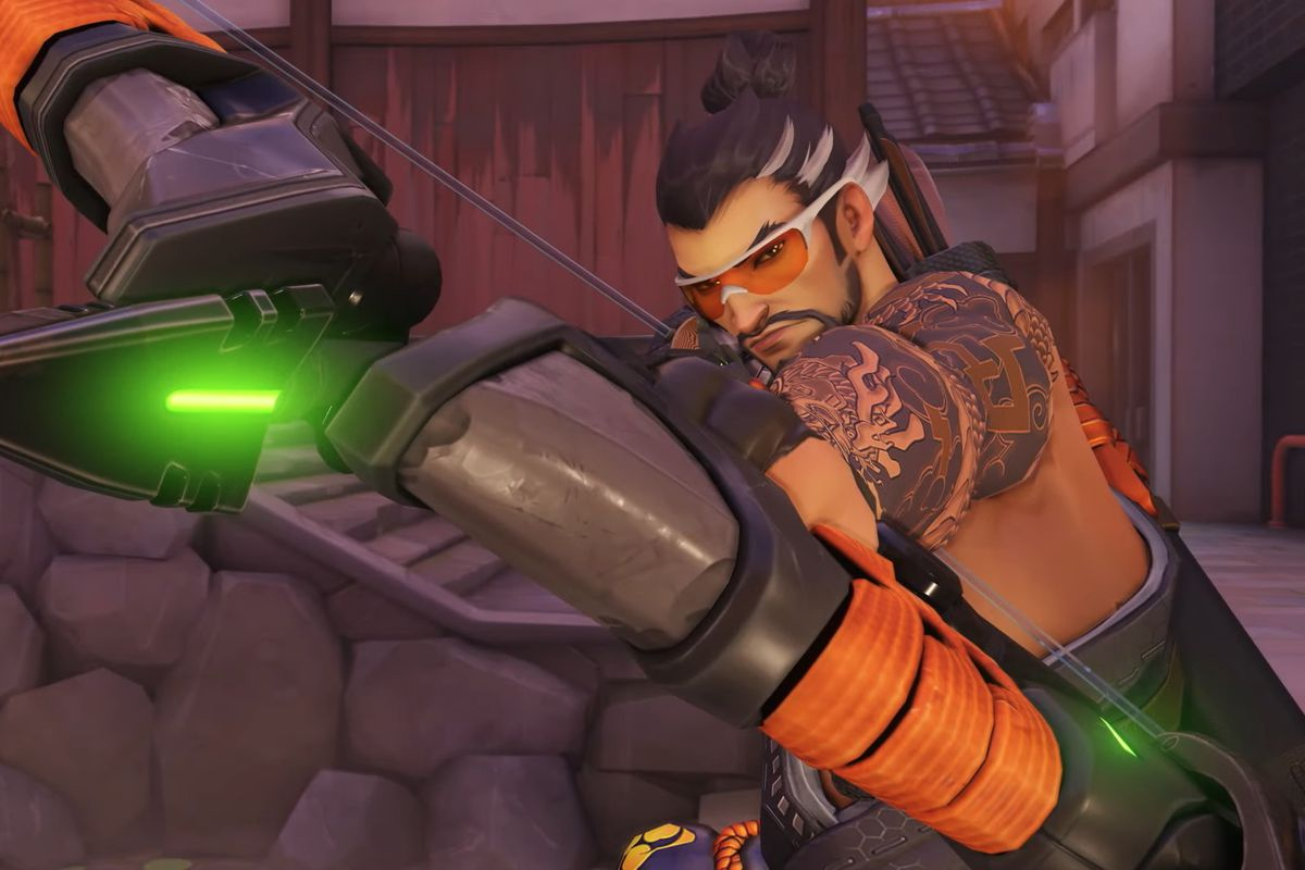 Hanzo aims his bow wearing the Kyogisha Hanzo skin in Overwatch