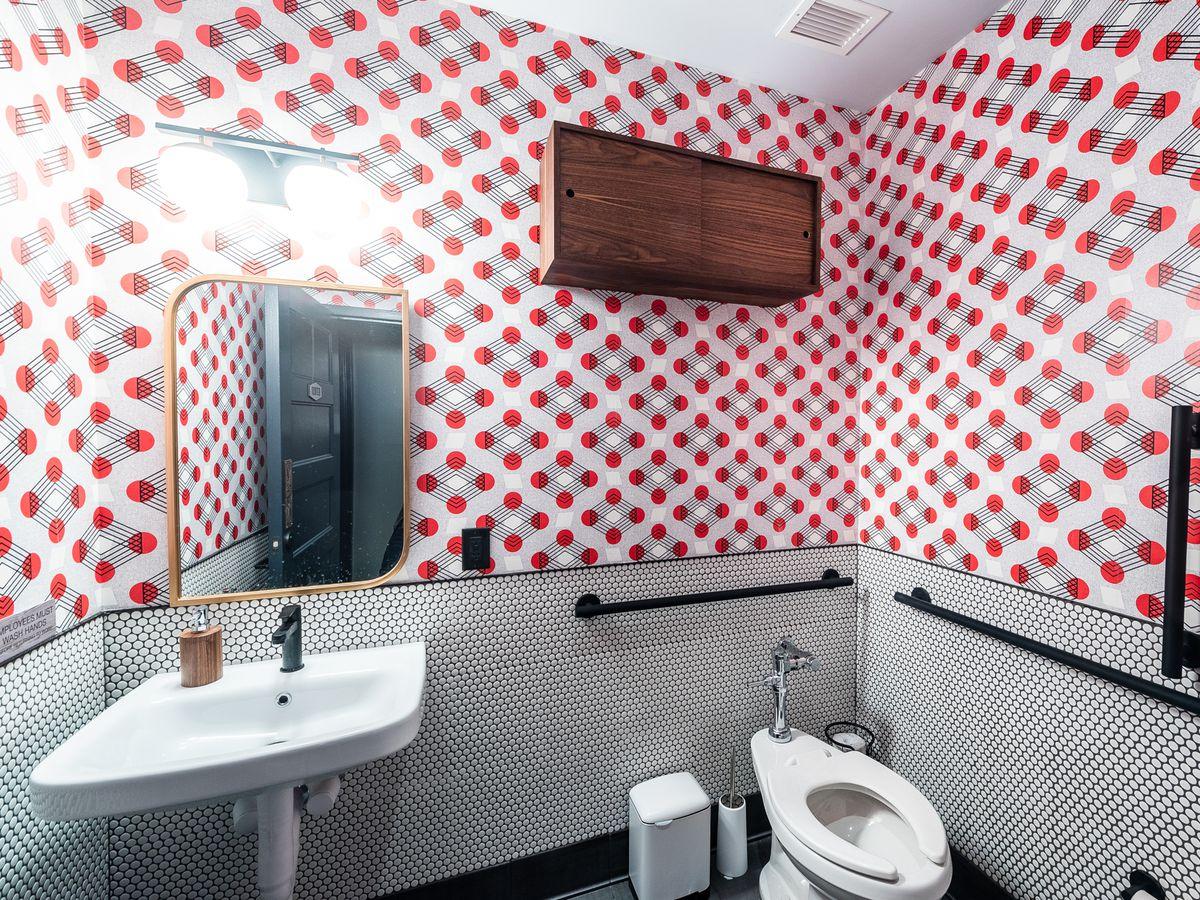 16 D C Restaurant Bathrooms That Are