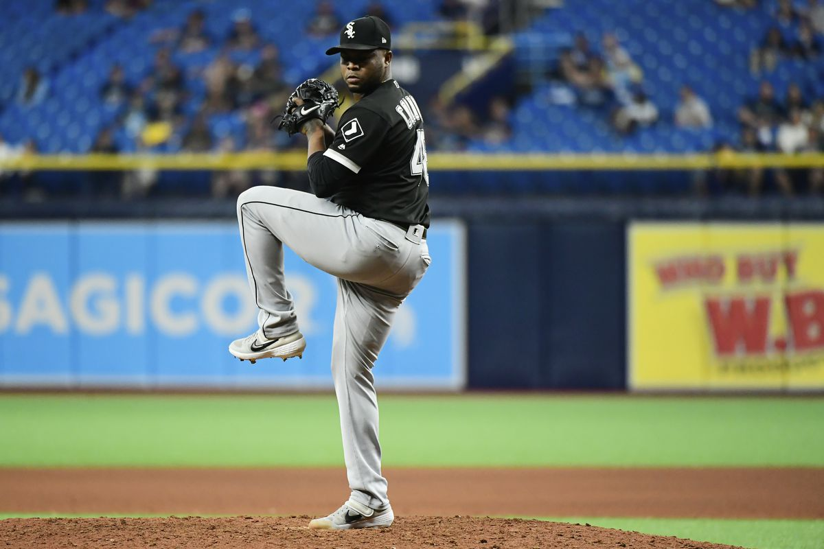 White Sox closer Alex Colome looking to improve on 2019 season - Chicago  Sun-Times