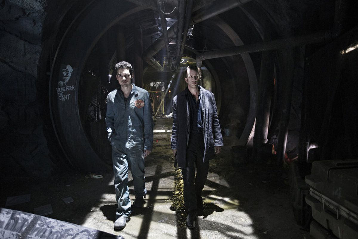 The Expanse's final three episodes are thrilling, the long-awaited payoff to a lot of setup. It just takes a while to get there.