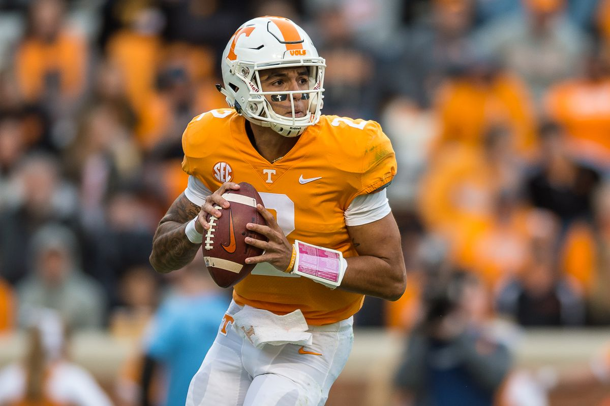 Another college football analyst loves Tennessee QB ...