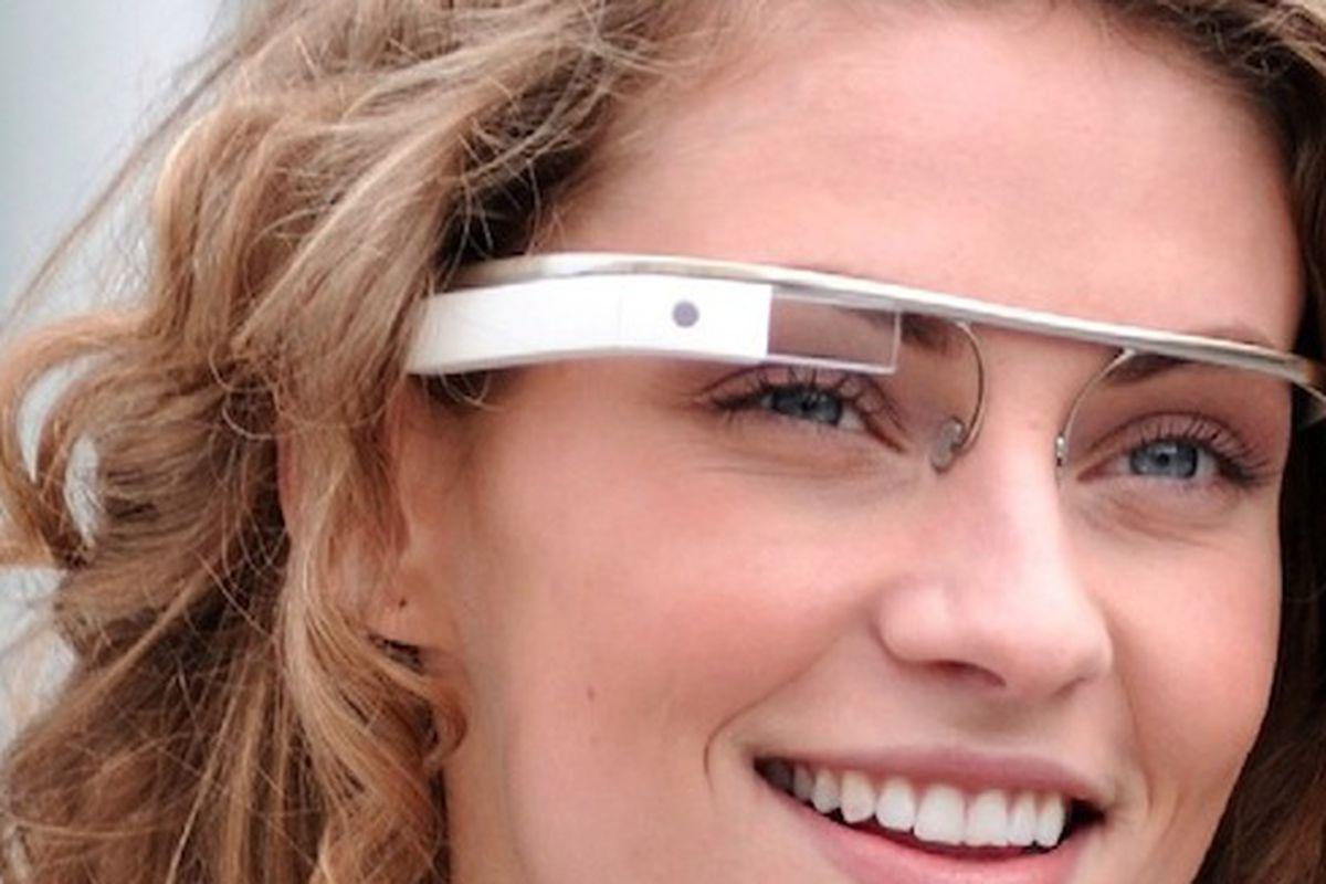 "Image via <a href=""http://www.slashgear.com/google-glass-not-fully-compatible-with-ios-18278396/"">Slash Gear</a>"
