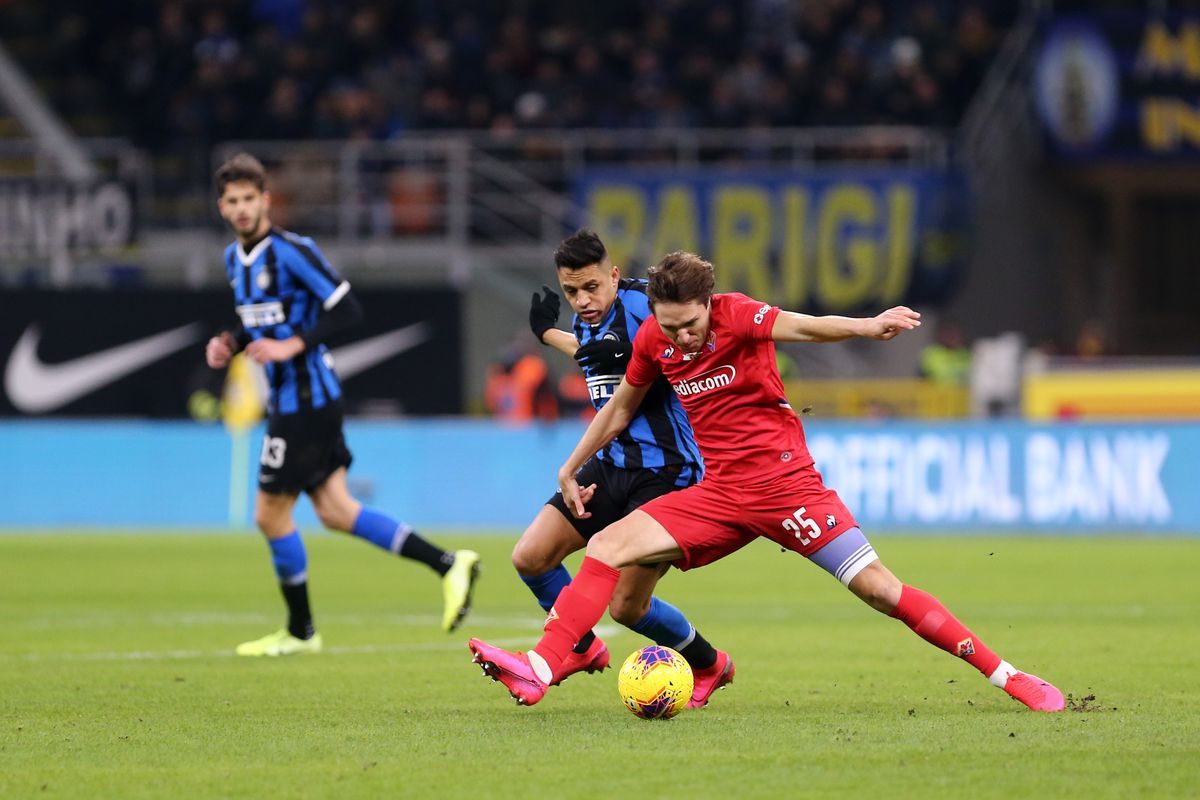 Federico Chiesa of Acf Fiorentina in action during the...