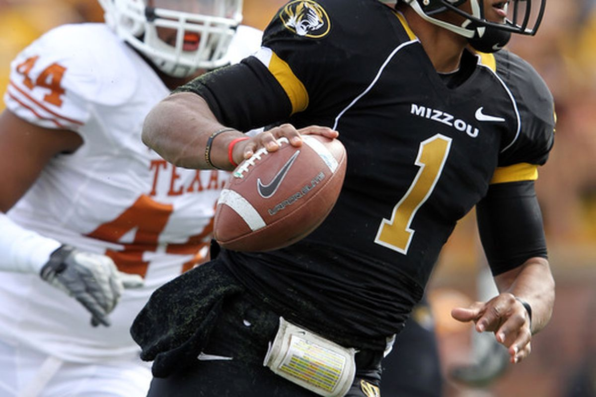 COLUMBIA, MO - NOVEMBER 12:  Quarterback James Franklin #1 of the Missouri Tigers scrambles during the game against the Texas Longhorns on November 12, 2011 at Faurot Field/Memorial Stadium in Columbia, Missouri.  (Photo by Jamie Squire/Getty Images)
