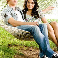 Troy Bolton (Zac Efron), Gabriella Montez (Vanessa Anne Hudgens)